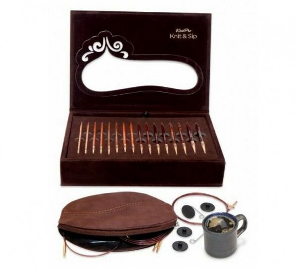 Knit & Sip Nadelset von Knitpro mit kaffeebraunen Nadeln und zwei Espressotassen